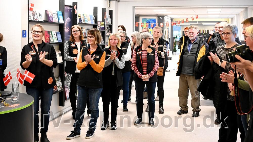 Medarbejdere og borgere var mødt frem til indvielsen. Foto: Jens Nielsen