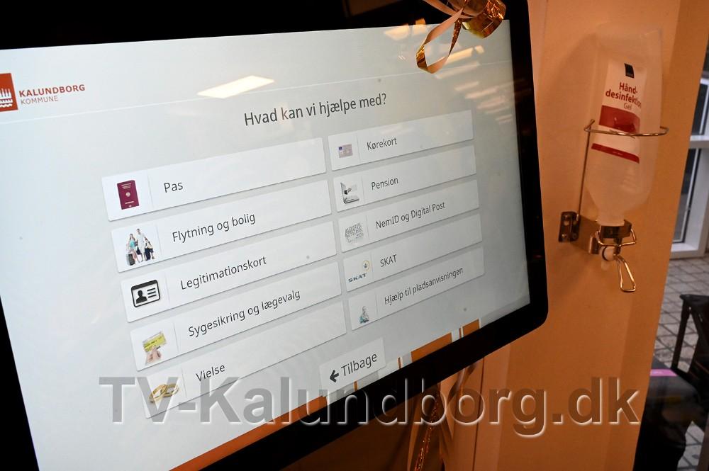 På skærmen vælges hvad mødet drejer sig om. Foto: Jens Nielsen