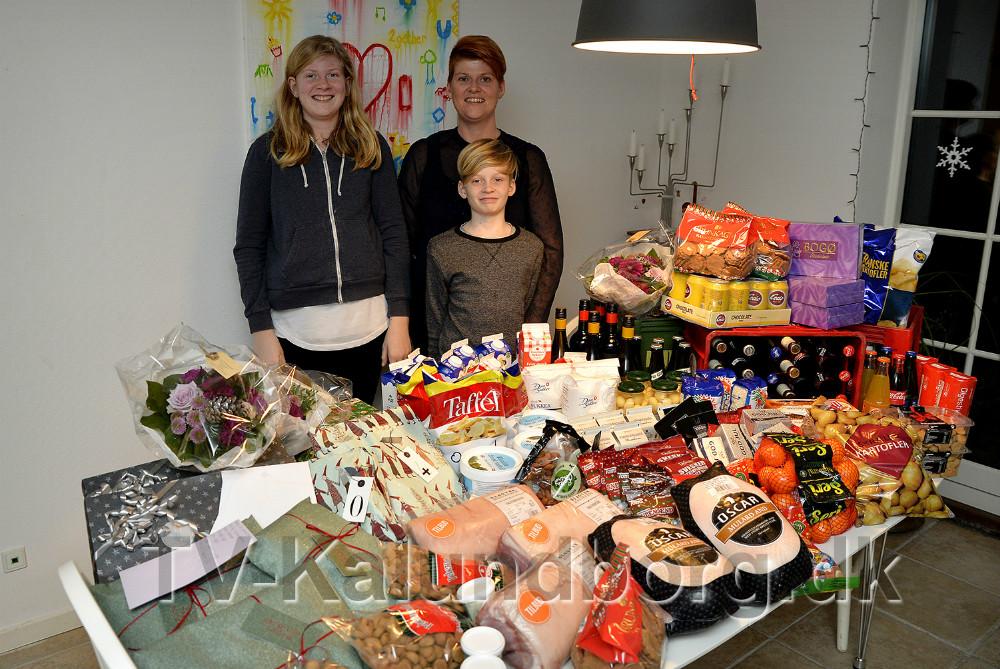 Lona Ammundsen sammen med børnene Sif og Tjalfe. Foto: Jens Nielsen