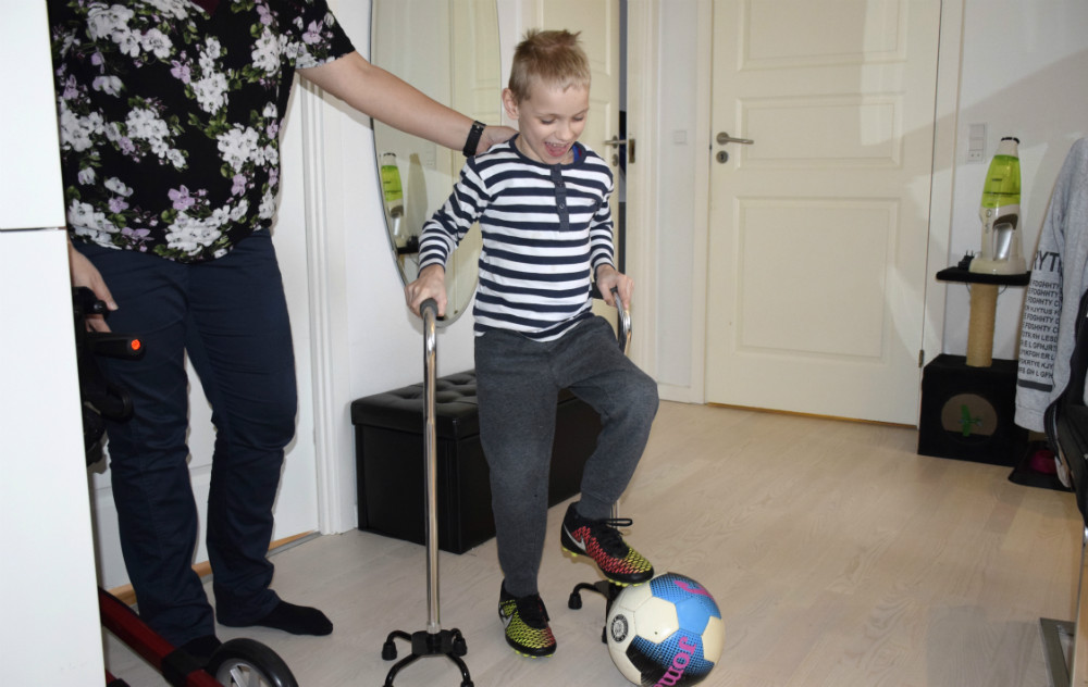 Thor Tamminen vil bare gerne kunne gå selv - og spille fodbold. Foto: Gitte Korsgaard.
