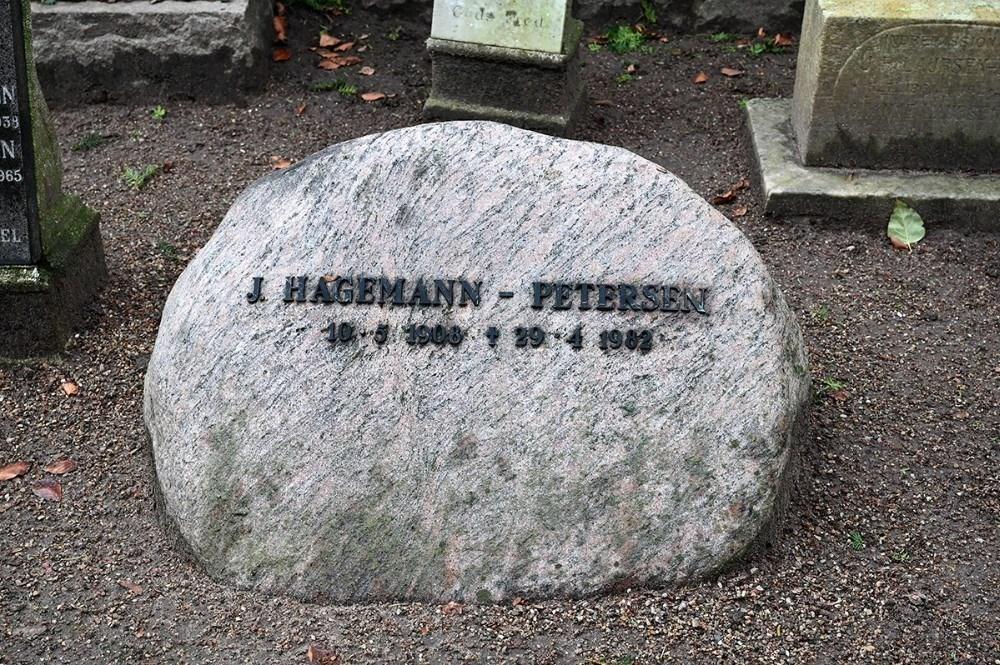 J. Hagemann Petersens gravsten på Sct. Olai Kirkegård.  Arkivfoto: Jens Nielsen