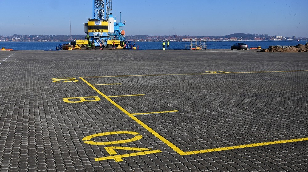 Den store containerplads på Ny Vesthavn er mærket op og klar til at modtage containere. Foto: Jens Nielsen