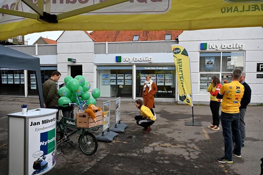 Hammerslagskonkurrence ved Nybolig. Foto: Jens Nielsen