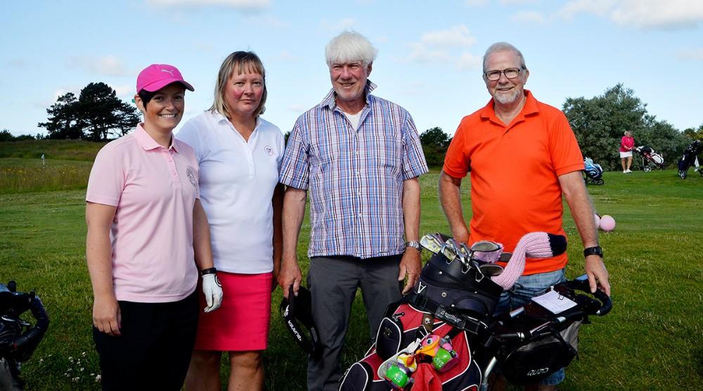 Klar til Pink Cup, fra venstre, Ann Bille, Anita Holm-Jensen, Svend-Aage Nielsen og Mogens Hansen. Foto: Jens Nielsen