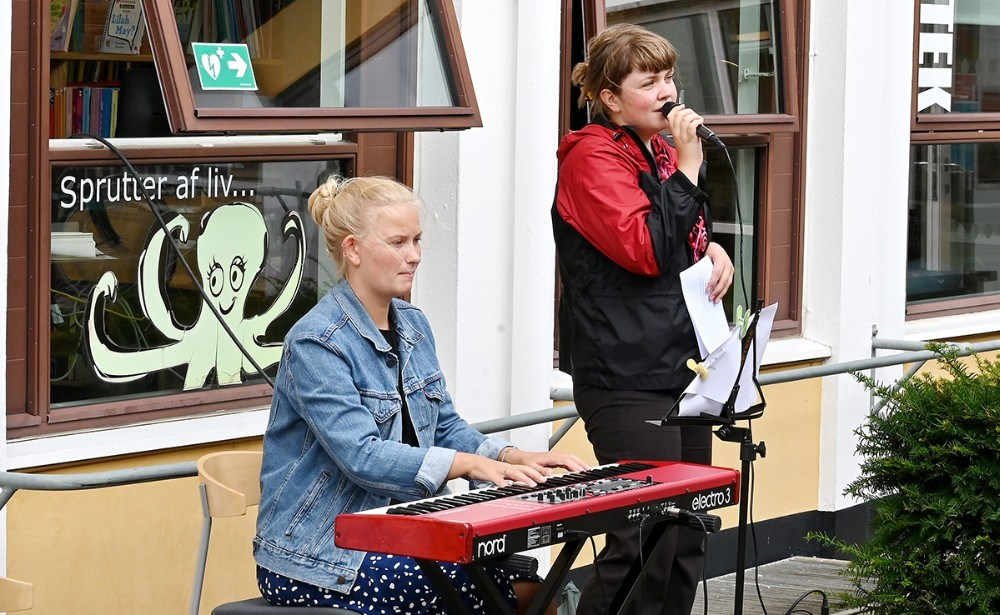 Elever fra Musisk Skole stod for fællessangen. Foto: Jens Nielsen