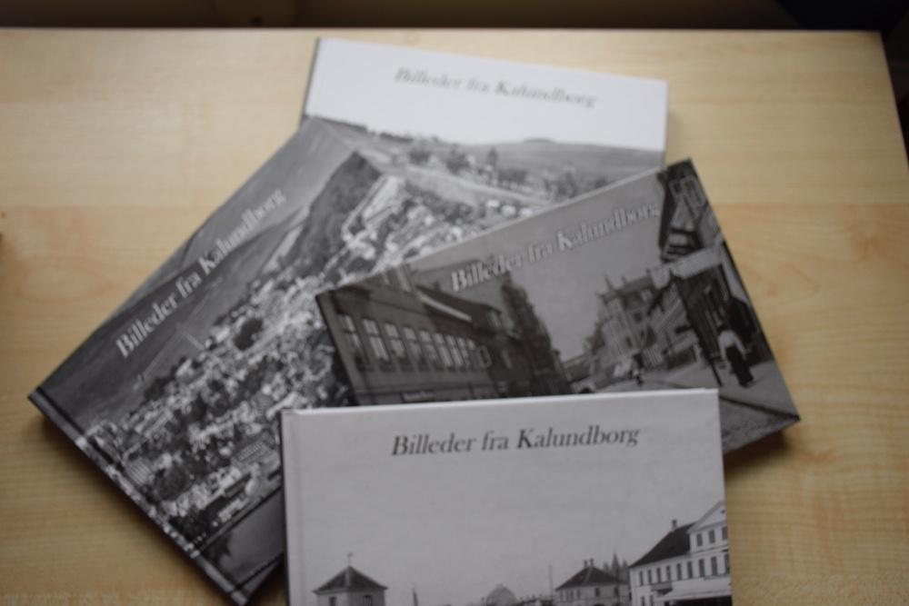 Den 4. Bog i bogserien 'Billeder fra Kalundborg' er netop blevet udgivet på Lokalarkivet i Kalundborg. Foto: Gitte Korsgaard