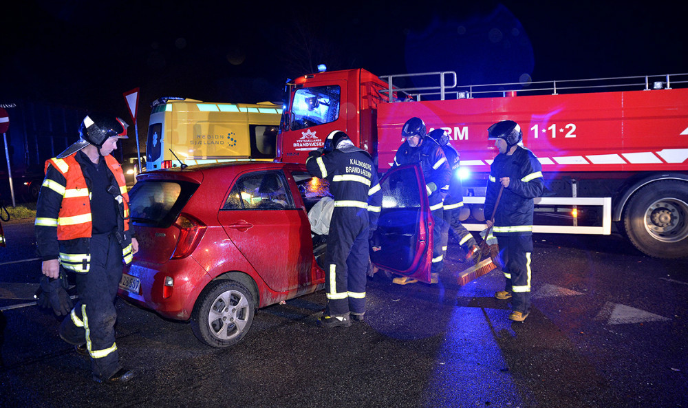 Færdselsuheld i krydset Tissøvej-Søvejen, tidlig torsdag morgen. Foto: Jens Nielsen