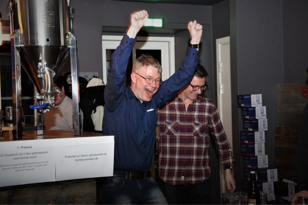 Fra venstre: Gærspecialist og brygmester,Emil Hadzic, vinder af Taphouse Open 2019,Claus Rosenqvist,brygmester og produktionschef på Nørrebros bryghus, Michael Rahbek ogforedragsholder og øl guru,Carsten Berthelsen. Privatfoto.