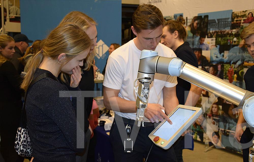 Lokale virksomheder fortæller om deres biotekniske processer. Foto: Gitte Korsgaard.