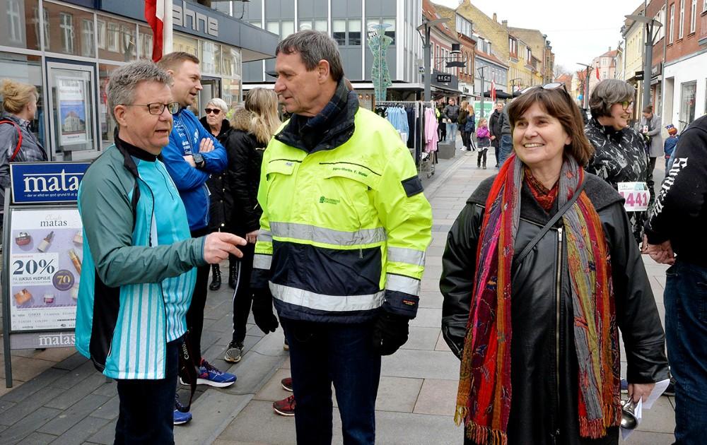 Erik Johnsen, formand for 5-tårns Motion, Hans-Martin Friis Møller, direktør Kalundborg Forsyning og Anne E. Jensen, bestyrelsesformand for Kalundborg Forsyning. Foto: Jens Nielsen