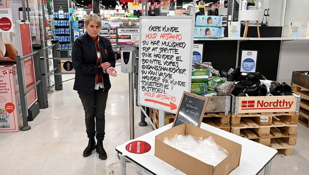 Varehuschef Kirsti Thygesen har gjort alt for at kunderne kan føle sig sikre. Foto: Jens Nielsen