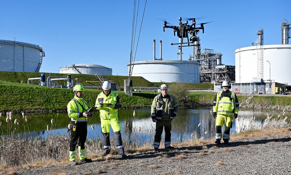 Multidroner.dk på opgave på Equinor raffinaderiet i Kalundborg. Foto: Jens Nielsen
