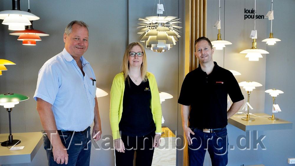 Steen Jensen og Jesper Abkjær Petersen, indehavere af Punkt1 i bl.a. Kalundborg, har i dag overtaget Lysmesteren i Gørlev, her sammen med butikschef Rikke Vind. Foto: Jens Nielsen