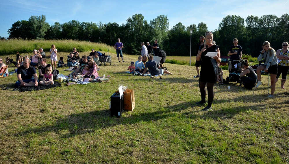 Båltalen tog Berit Westi, leder af Hobittens Børnehave, sig af. Foto: Jens Nielsen