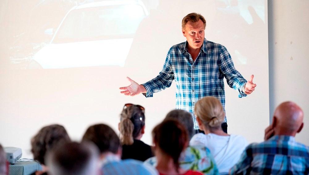 Rasmus Tantholdt fortalte levende og spændende om sit arbejde. Foto: Jens Nielsen