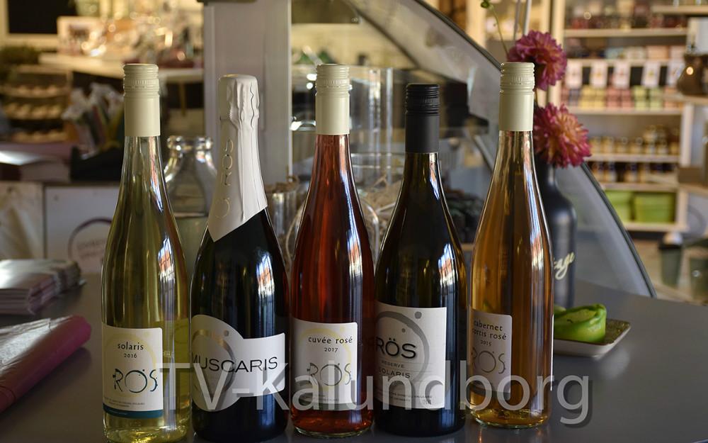 Der bliver serveret vin fra Dyrehøj Vingaard til gourmet aftenen. Foto: Gitte Korsgaard.