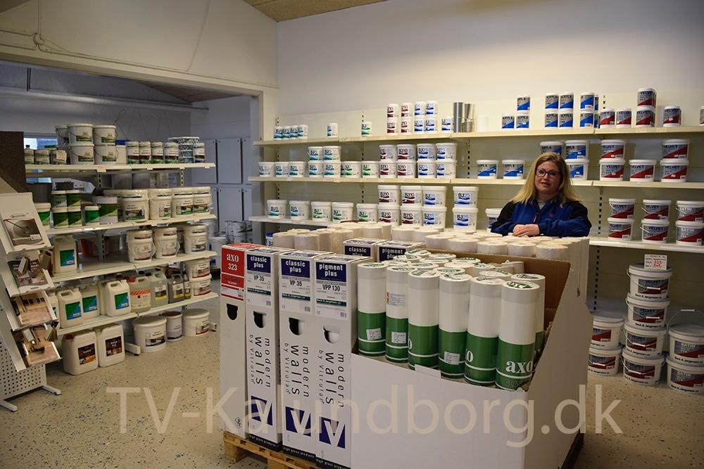 Mette Hansen, der er daglig leder af Skala Farvehandel i Kalundborg. Foto: Gitte Korsgaard