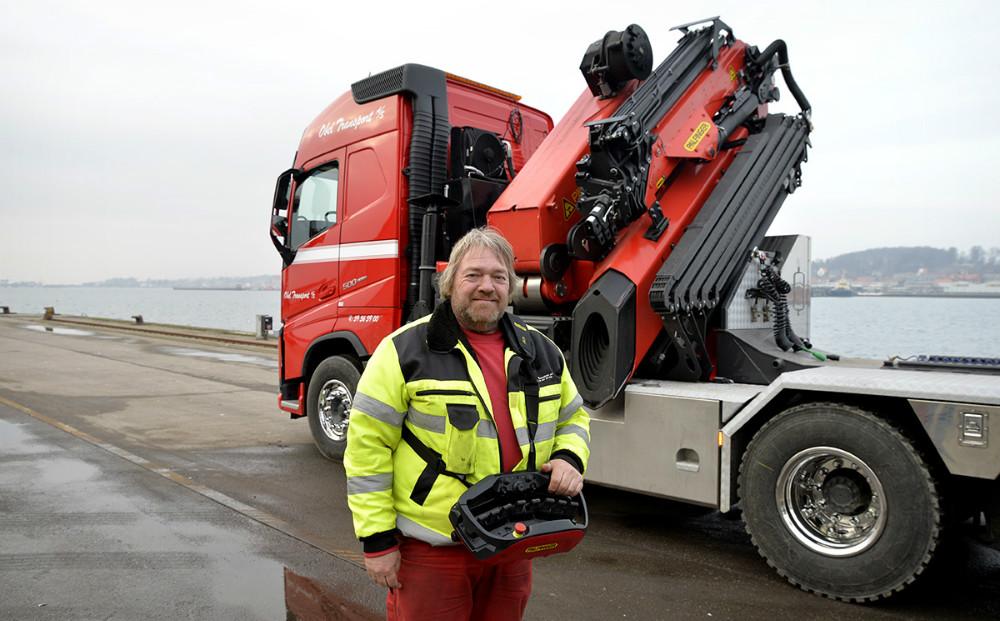 Peter Jakobsen er chauffør på den nye kranbil. Foto: Jens Nielsen