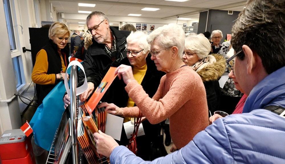 Der var stor interesse for at sikre sig et eksemplar af det nye program. Foto: Jens Nielsen