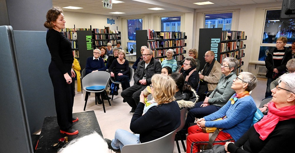 Kulturformidler Anette Skov fortalte historie. Foto: Jens Nielsen