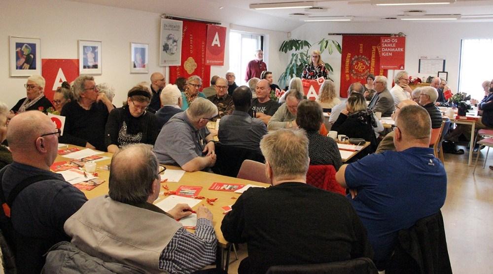 Mere end 100 medlemmer af Socialdemokratiet i Kalundborg var mødt op til generalforsamlingen søndag. Privatfoto