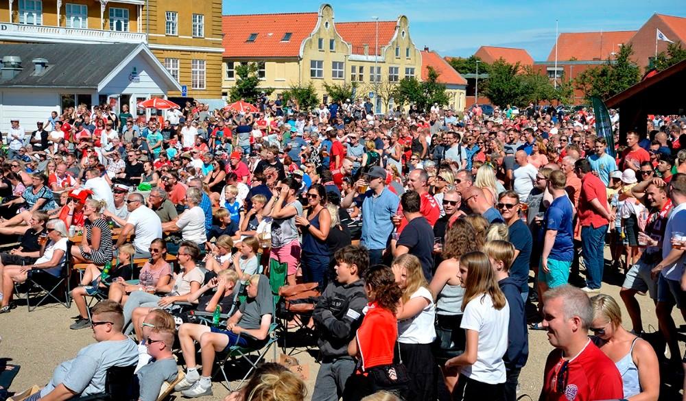 Der bliver vist fodbold på storskærmen igen i år. Foto: Jens Nielsen