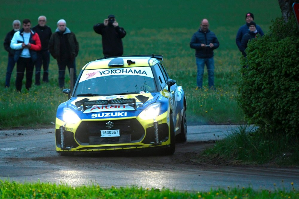 Kenneth Madsen fra Ruds Vedby er i sin firhjulstrumke Suzuki Swift blandt de hurtigste i Dansk Super Rally 2021. Foto: Morten Dam/Specialpressen