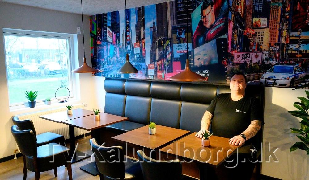 Flemming Bindesbøl laver mad både på Café Hangover og på Havnegrillen i Kalundborg. Arkivfoto:  Jens Nielsen.