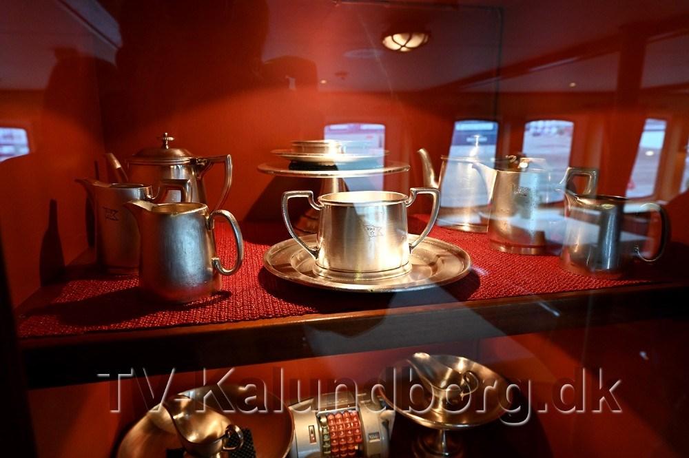 Det originale sølvtøj fra 1956 er kommet tilbage på M/S Nordstjernen. Foto: Jens Nielsen