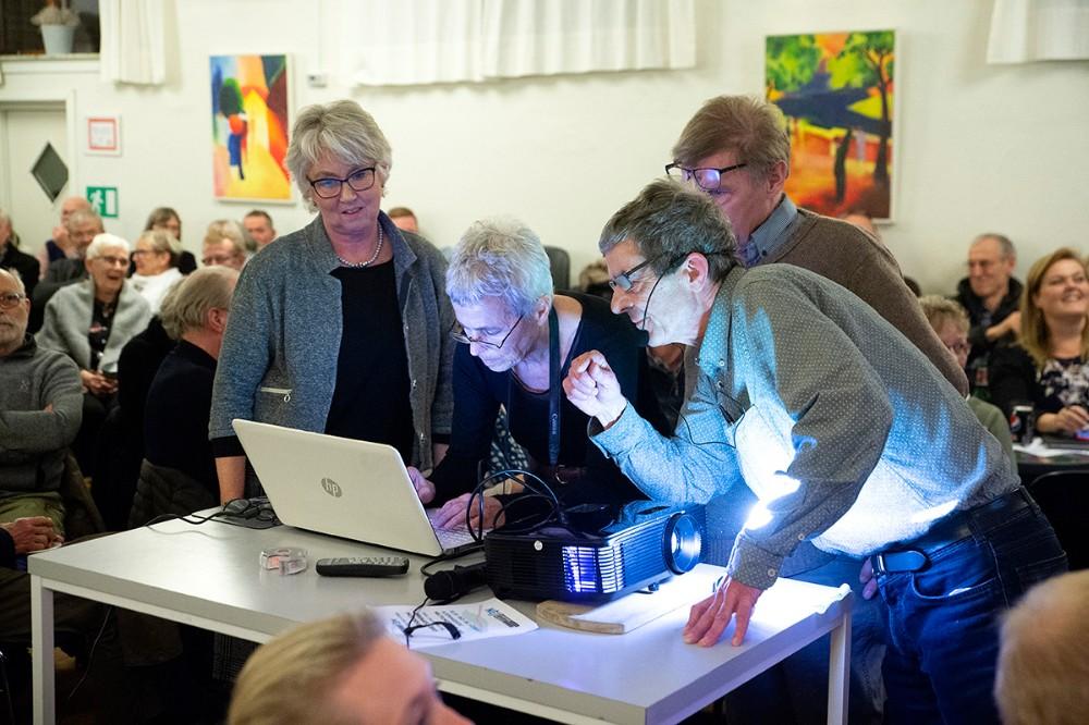 Teknikken drillede i starten af mødet. Foto: Jens Nielsen