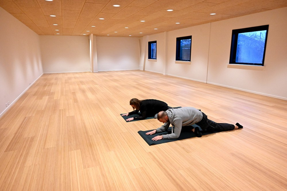 Yogasalen er hele 144 kvm. stor. Foto: Jens Nielsen