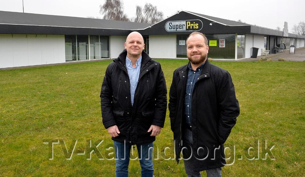 Thomas Nielsen ogLars Czuba er klar med masser af gode tilbud torsdag, fredag og lørdag i denne uge. Foto: Jens Nielsen
