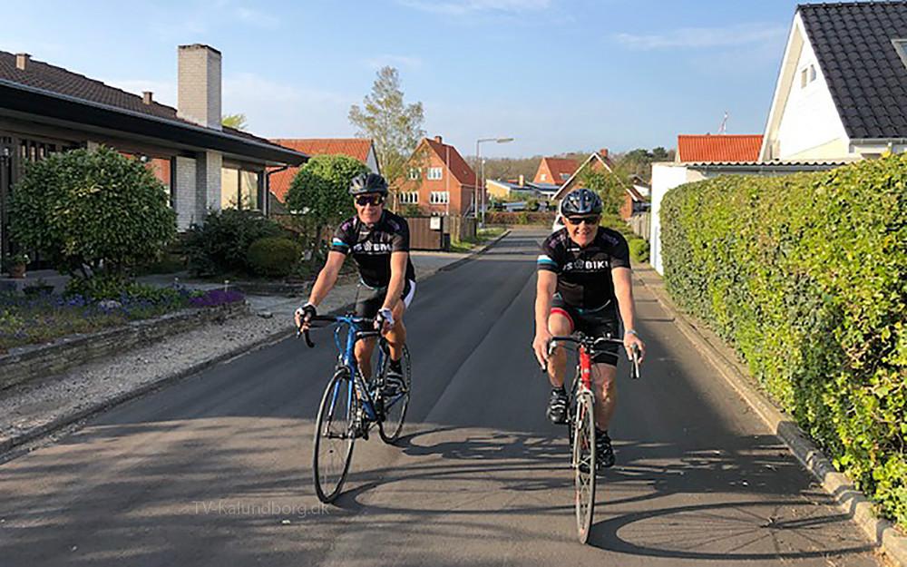 Kjeld Christensen og Uffe Kalnæs fra Kalundborg cykler begge for at samle penge ind til forskning i sclerose.
