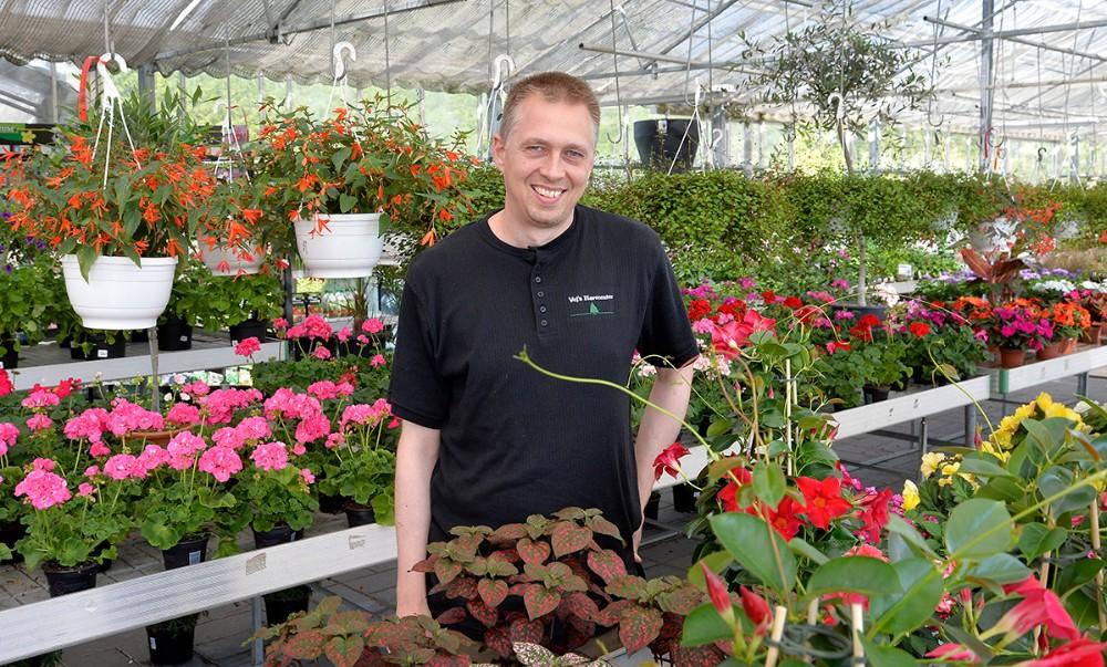 Kristian Olsen har købt Vejs Havecenter i Høng. Foto: Jens Nielsen