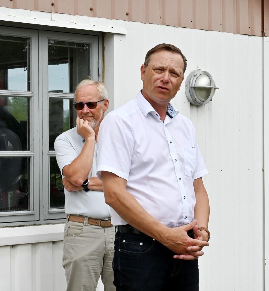 Peter Jacobsen (DF), formand for social- og sundhedsudvalget, og bagerst Hans Munk (R), formand for kultur- og fritidsudvalget. Foto: Jens Nielsen