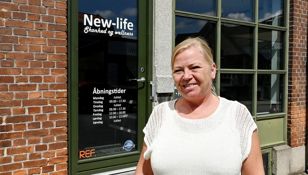 Jane Christensen har åbnet frisørsalonen New-Life på Sct. Jørgensbjerg i Kalundborg. Foto: Jens Nielsen
