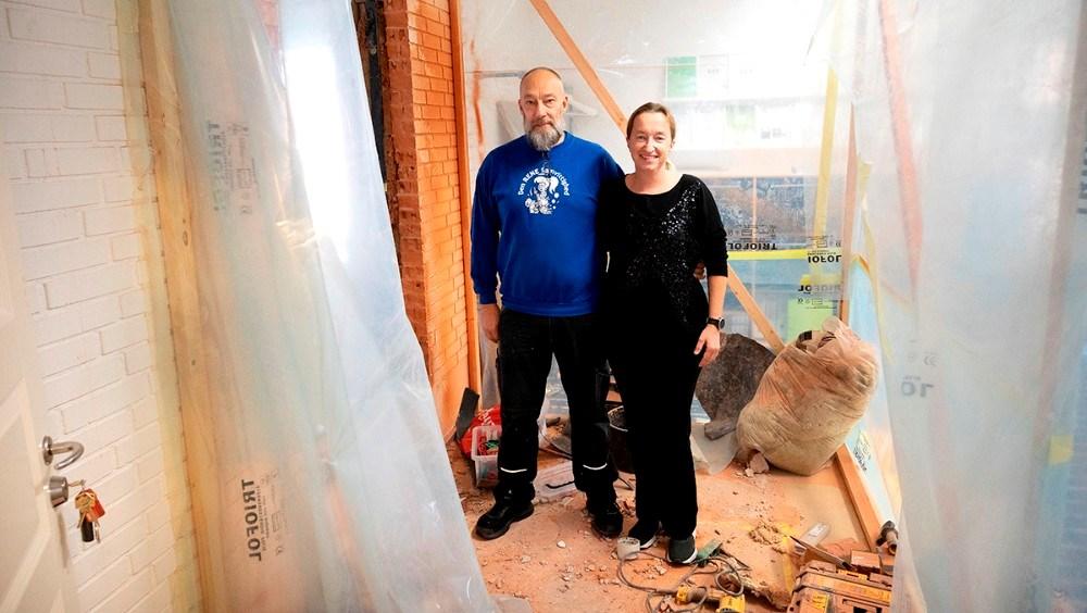 Tina og Michael Schumacher midt i ombygningen af de nye lokaler. Foto: Jens Nielsen