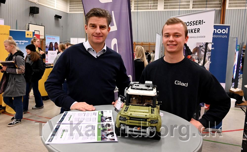 Jacob Glad sammen med lærling Nicolai Pedersen. Foto: Jens Nielsen