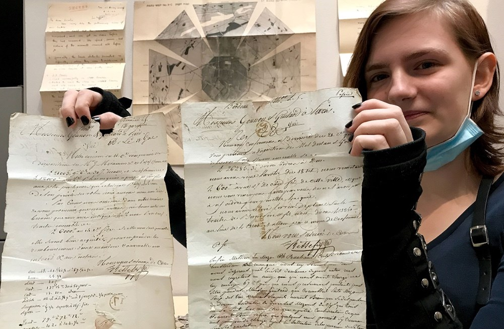Mathilde Mogensen fra 10. A fremviste en stand om arbejdet som grafisk konservator.