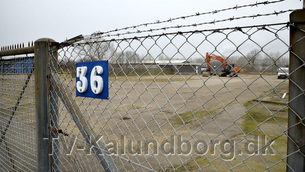 Den 10.000 m2 store erhvervsgrund på Flakagervej er solgt til Jerslev Stilladsservice. Foto: Jens Nielsen