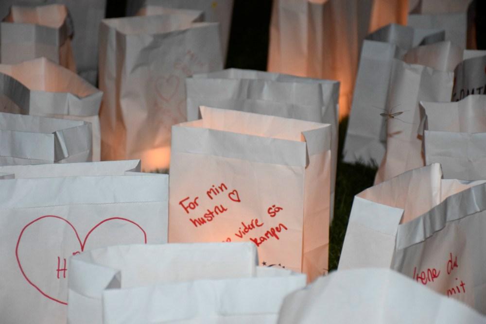 Mange fine hilsner til lysceremoni i går aftes til Stafet For Livet. Foto: Gitte Korsgaard.