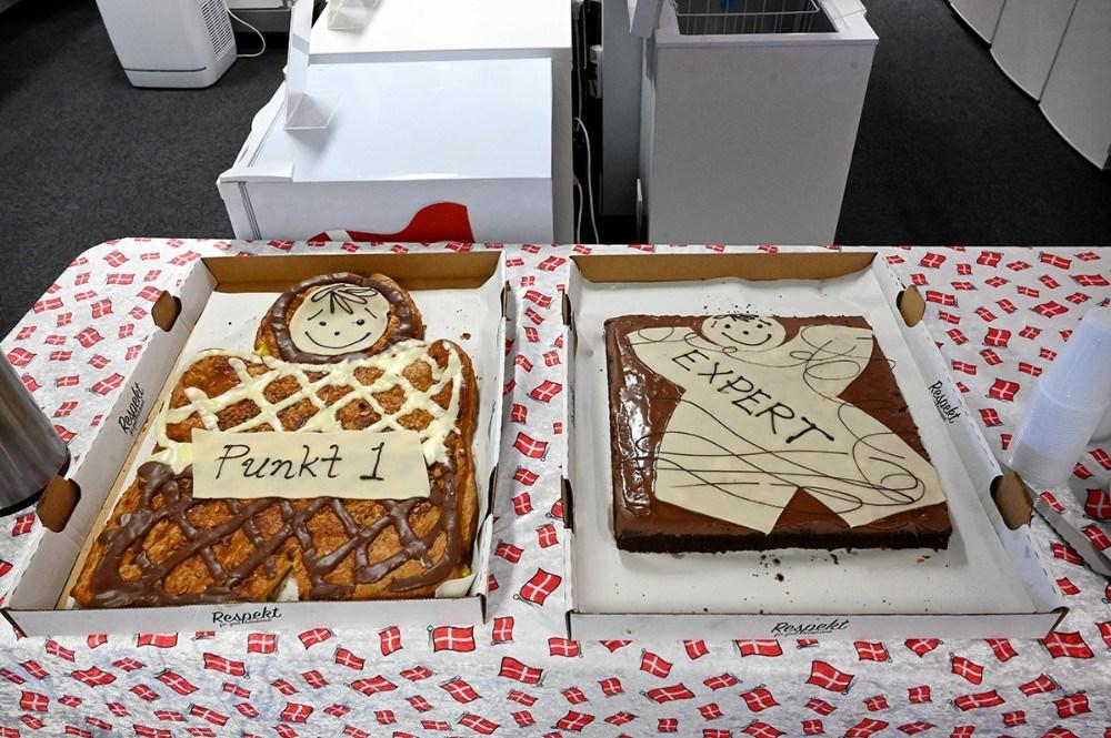 Der var kaffe og kage til kunderne. Foto: Jens Nielsen