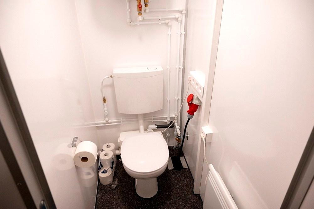 Der er toilet i de nye sanitetstrailere. Foto: Jens Nielsen