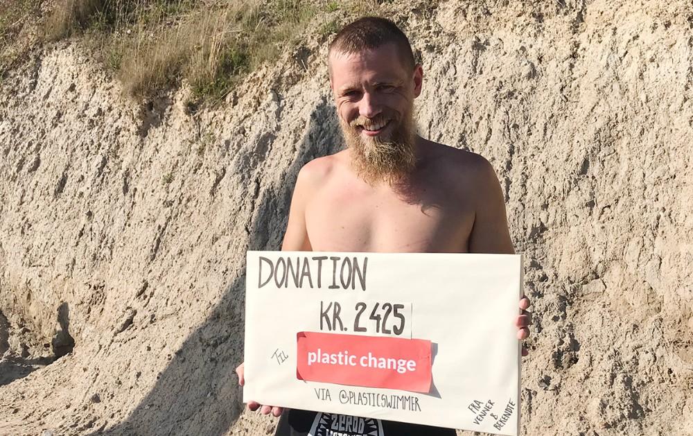 Matias Jensen gik i land ved Røsnæs Fyr efter en svømmetur på 17 km. Privatfoto