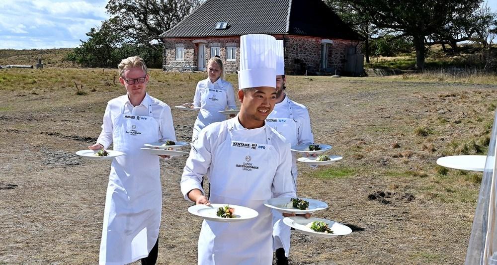 Kokkelandsholdet tryllede lækkerier frem af ørred og ørredrogn fra Musholm A/S. Foto: Jens Nielsen