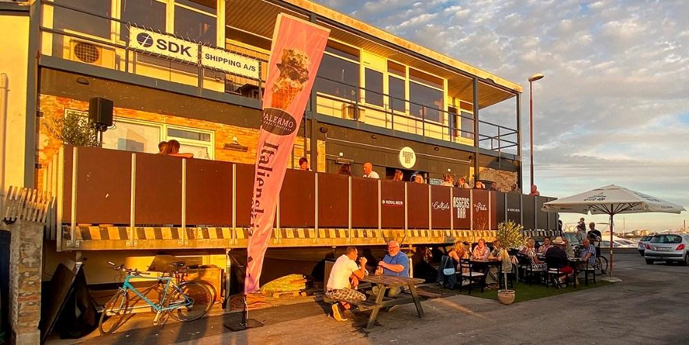Fremover serveres der fisk i Asgers Bar. Foto: Jens Nielsen