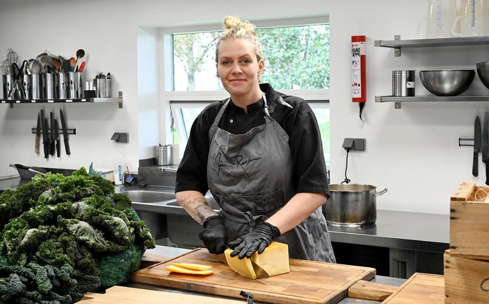Mia Reesen i sit køkken i Kærby. Foto: Jens Nielsen