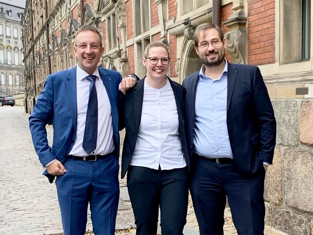 Fra venstre, Peter Westergaard, Kia Witthøfft og Martin Dahl Jensen, BDO København, som har været mentor for Kia. Privatfoto