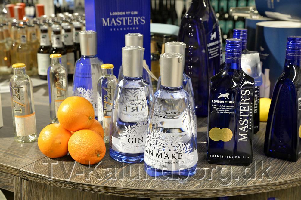 Mindst 30 forskellige Gin er på hylderne i Meny. Foto: Jens Nielsen