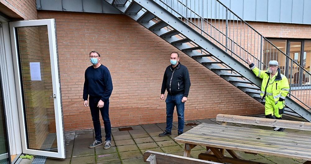 Medarbejdere hos Kalundborg Forsyning i kø til test. Foto: Jens Nielsen